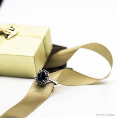 anello con zaffiri